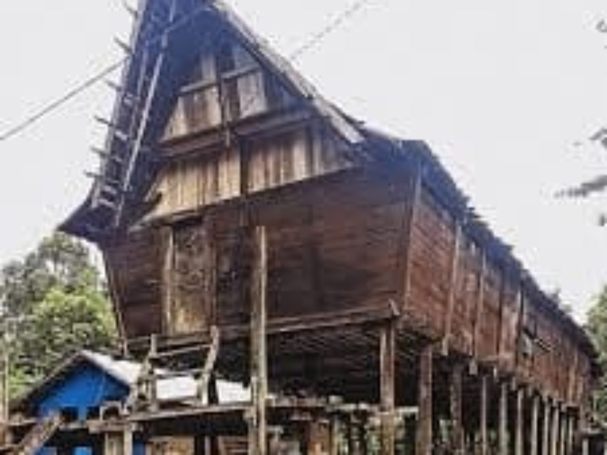 7 Rumah Adat Kalimantan Tengah Wajib Diketahui Destinasi Pariwisata Indonesia Terpopuler