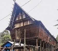 Rumah Adat Kalimantan Tengah - Betang Tambaba